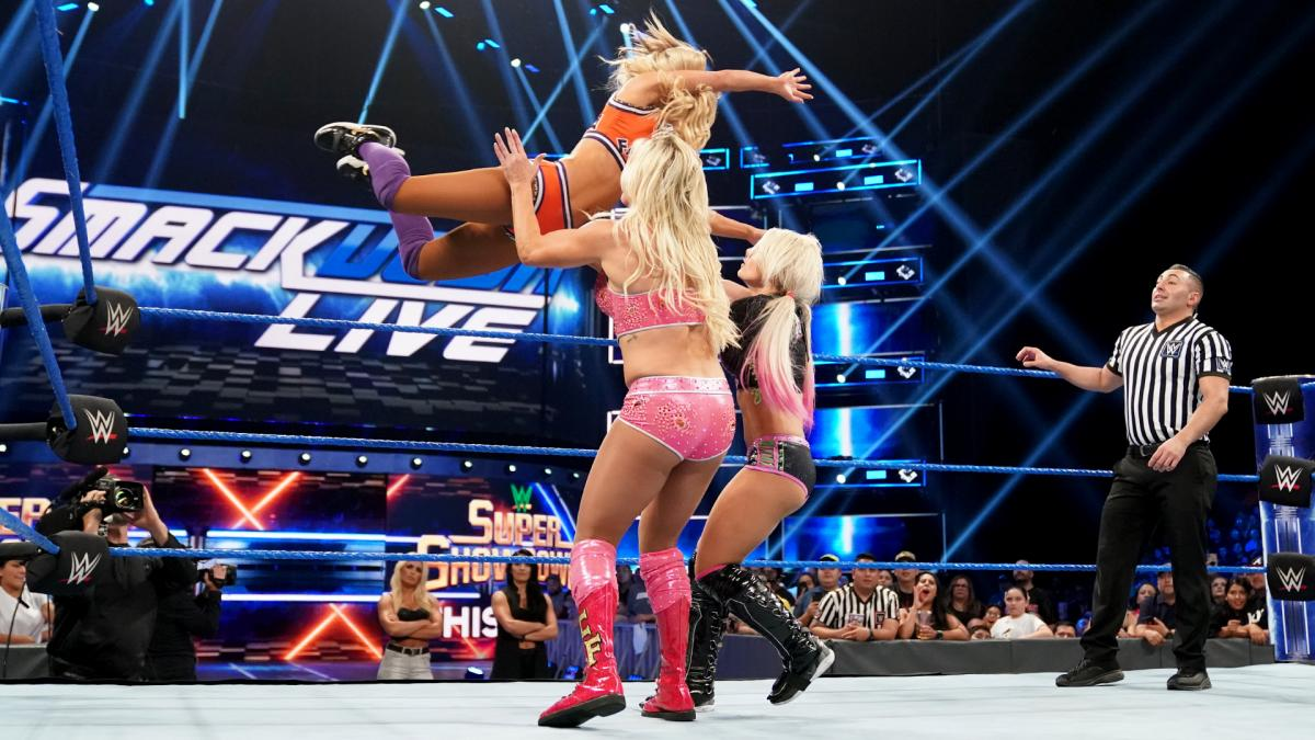 WWE Smackdown Alexa Bliss Charlotte Flair Carmella